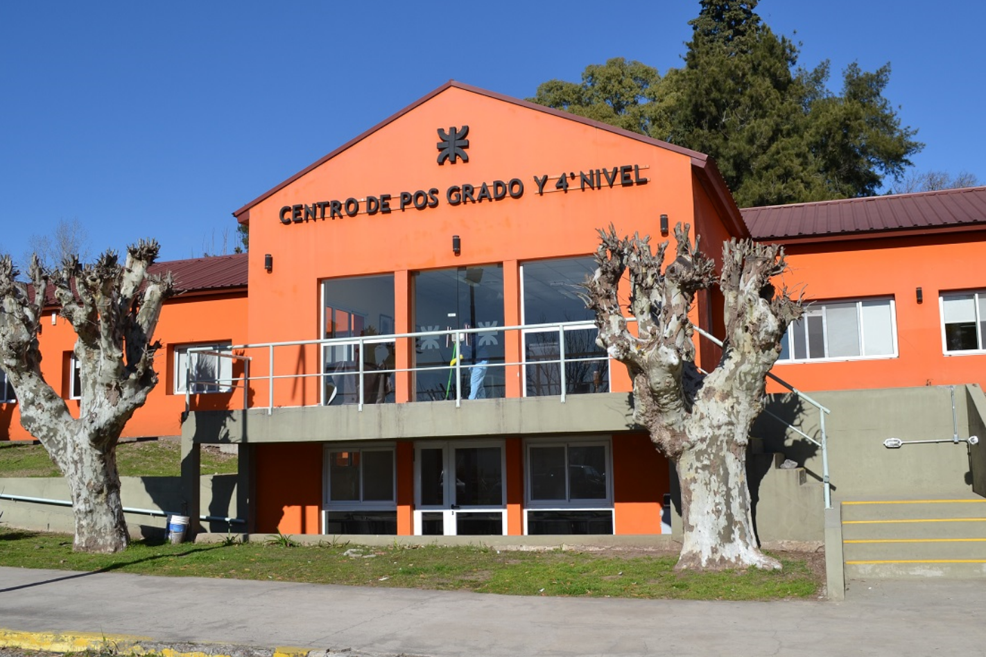 CHARLAS INFORMATIVAS - POSGRADO Y CICLOS DE LICENCIATURAS